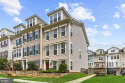 Photo of 11900 Weybridge LANE, Germantown, MD 20876 (MLS # MDMC652766)