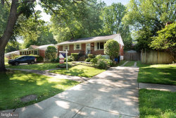 Photo of 4722 Boiling Brook PARKWAY, Rockville, MD 20852 (MLS # MDMC659026)