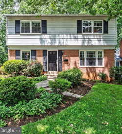 Photo of 719 Carr AVENUE, Rockville, MD 20850 (MLS # MDMC662116)