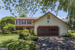 Photo of 114 Pembrooke View LANE, Gaithersburg, MD 20877 (MLS # MDMC662914)