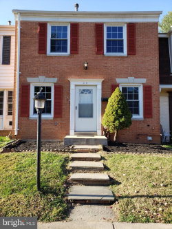 Photo of 24 Fence Line DRIVE, Gaithersburg, MD 20878 (MLS # MDMC736604)