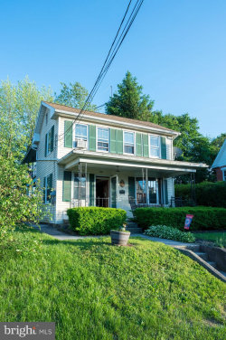 Photo of 311 Lincoln Way W, New Oxford, PA 17350 (MLS # PAAD107056)