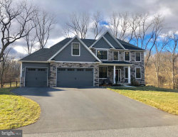 Photo of 121 Woodbriar DRIVE, Chambersburg, PA 17202 (MLS # PAFL170482)