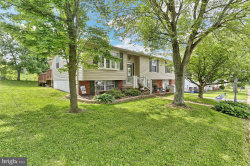 Photo of 110 Delwood DRIVE, Dover, PA 17315 (MLS # PAYK117458)