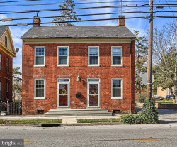 Photo of 552 Broadway, Hanover, PA 17331 (MLS # PAYK128070)