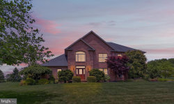 Photo of 381 Thornhill DRIVE, Hanover, PA 17331 (MLS # PAYK128364)