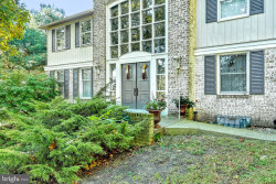 Photo of 412 Summit DRIVE, Red Lion, PA 17356 (MLS # PAYK135504)