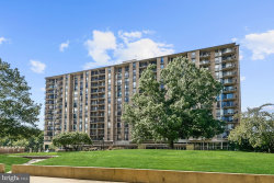 Photo of 4600 S Four Mile Run DRIVE, Unit 912, Arlington, VA 22204 (MLS # VAAR150960)