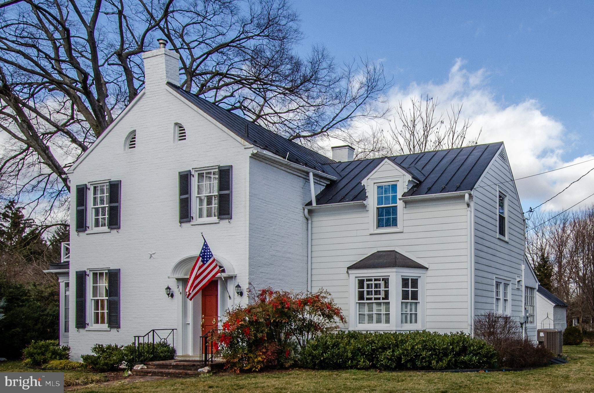 Photo for 214 E Main STREET, Berryville, VA 22611 (MLS # VACL111194)