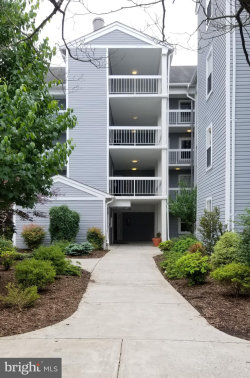 Photo of 3179 Summit Square DRIVE, Unit 2-D2, Oakton, VA 22124 (MLS # VAFX1000984)