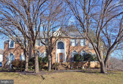 Photo of 6215 Point CIRCLE, Centreville, VA 20120 (MLS # VAFX1001682)