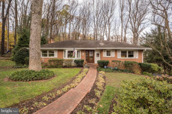 Photo of 1548 Forest Villa LANE, Mclean, VA 22101 (MLS # VAFX103644)