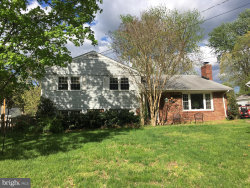 Photo of 14712 Lock DRIVE, Centreville, VA 20120 (MLS # VAFX104294)
