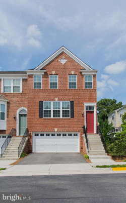 Photo of 6194 Royal Crest LANE, Alexandria, VA 22310 (MLS # VAFX1070022)