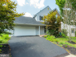Photo of 8617 Lauren DRIVE, Springfield, VA 22153 (MLS # VAFX1082382)