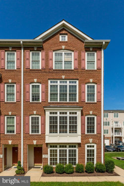 Photo of 4621 Battenburg Lane, Unit 951, Fairfax, VA 22030 (MLS # VAFX1083488)