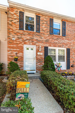 Photo of 8180 Dark Den CIRCLE, Springfield, VA 22153 (MLS # VAFX1095106)
