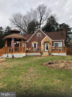 Photo of 702 Walker ROAD, Great Falls, VA 22066 (MLS # VAFX1103292)