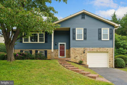 Photo of 2011 Hoover LANE, Alexandria, VA 22308 (MLS # VAFX1154078)