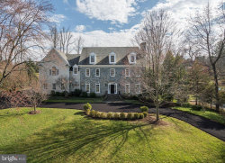 Photo of 1353 Woodside DRIVE, Mclean, VA 22102 (MLS # VAFX1157626)