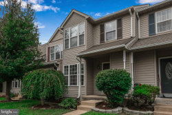 Photo of 13536 Darter COURT, Clifton, VA 20124 (MLS # VAFX1157860)