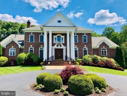 Photo of 841 Seneca ROAD, Great Falls, VA 22066 (MLS # VAFX1158298)