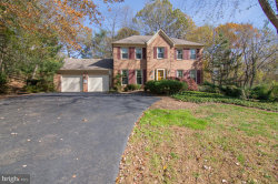 Photo of 2825 Center Ridge DRIVE, Oakton, VA 22124 (MLS # VAFX1169434)