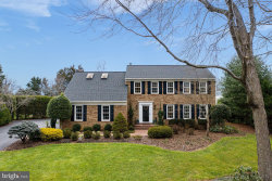 Photo of 2703 East Ridge COURT, Oakton, VA 22124 (MLS # VAFX1173378)