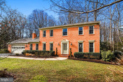 Photo of 2818 Bree Hill ROAD, Oakton, VA 22124 (MLS # VAFX848800)
