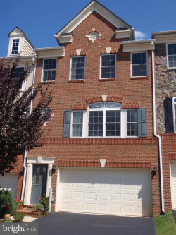 Photo of 20322 Center Brook SQUARE, Sterling, VA 20165 (MLS # VALO329588)