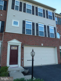 Photo of 22923 Chinkapin Oak TERRACE, Sterling, VA 20166 (MLS # VALO353222)