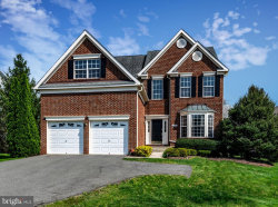 Photo of 20264 Medalist DRIVE, Ashburn, VA 20147 (MLS # VALO381184)
