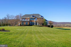 Photo of 35648 Glencoe COURT, Round Hill, VA 20141 (MLS # VALO401192)