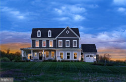 Photo of 35670 Platinum DRIVE, Round Hill, VA 20141 (MLS # VALO405282)