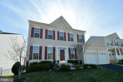 Photo of 17662 Cleveland Park DRIVE, Round Hill, VA 20141 (MLS # VALO406188)