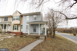 Photo of 10 Swallow Ct., Charles Town, WV 25414 (MLS # 1004427315)
