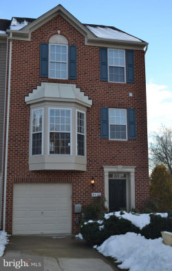 Photo of 9437 Birdhouse CIRCLE, Unit 32, Columbia, MD 21046 (MLS # MDHW209620)