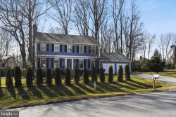 Photo of 10600 Gainsborough ROAD, Potomac, MD 20854 (MLS # MDMC449618)