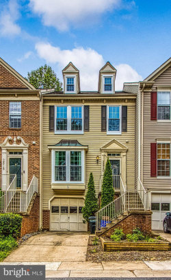 Photo of 2820 Thickett WAY, Olney, MD 20832 (MLS # MDMC663478)