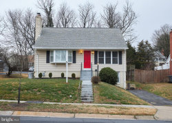 Photo of 818 Crothers LANE, Rockville, MD 20852 (MLS # MDMC696890)