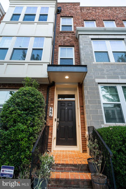 Photo of 227 Decoverly DRIVE, Gaithersburg, MD 20878 (MLS # MDMC731290)