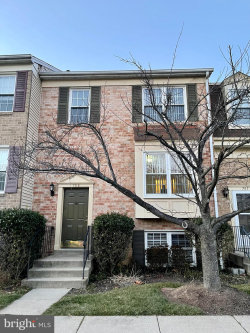 Photo of 709 Ivy League LANE, Unit 22-131, Rockville, MD 20850 (MLS # MDMC741112)
