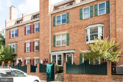 Photo of 760 N Vermont STREET, Arlington, VA 22203 (MLS # VAAR165904)
