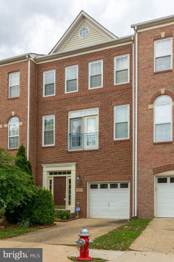 Photo of 13612 Flying Squirrel DRIVE, Herndon, VA 20171 (MLS # VAFX1078536)