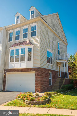 Photo of 4090 River Forth DRIVE, Fairfax, VA 22030 (MLS # VAFX1098266)
