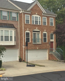 Photo of 13582 Cedar Run LANE, Herndon, VA 20171 (MLS # VAFX1133938)