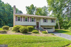 Photo of 10423 Artemel LANE, Great Falls, VA 22066 (MLS # VAFX1137284)