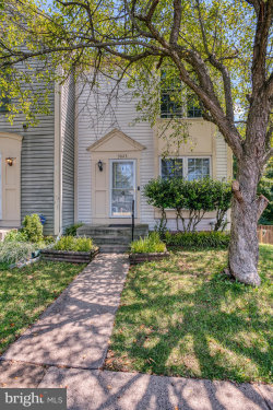 Photo of 3023 Hutumn COURT, Herndon, VA 20171 (MLS # VAFX1146424)