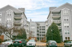 Photo of 3176 Summit Square DRIVE, Unit 4-C7, Oakton, VA 22124 (MLS # VAFX1171912)