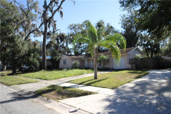 Photo of 561 Robin Hill Circle, BRANDON, FL 33510 (MLS # U7841679)